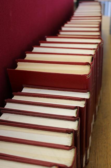books-1517100_640
